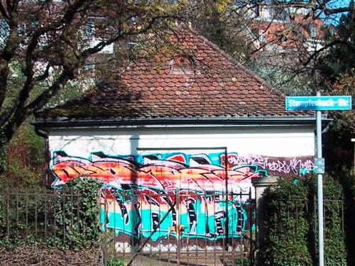 Graffitientfernung-vorher